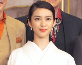 ソース顔 女優 武井咲