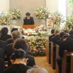 キリスト教 葬儀 服装 髪型