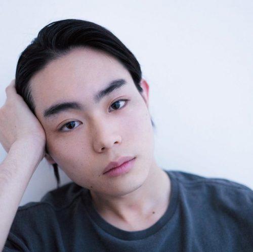 眉毛 濃い 菅田将暉