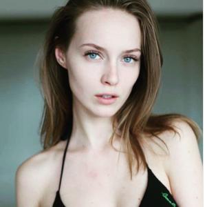 エストニア 美人 女優
