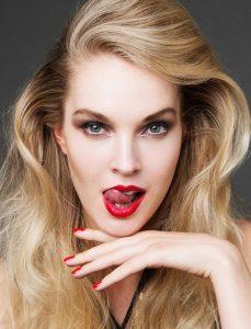 ラトビア 美人 モデル